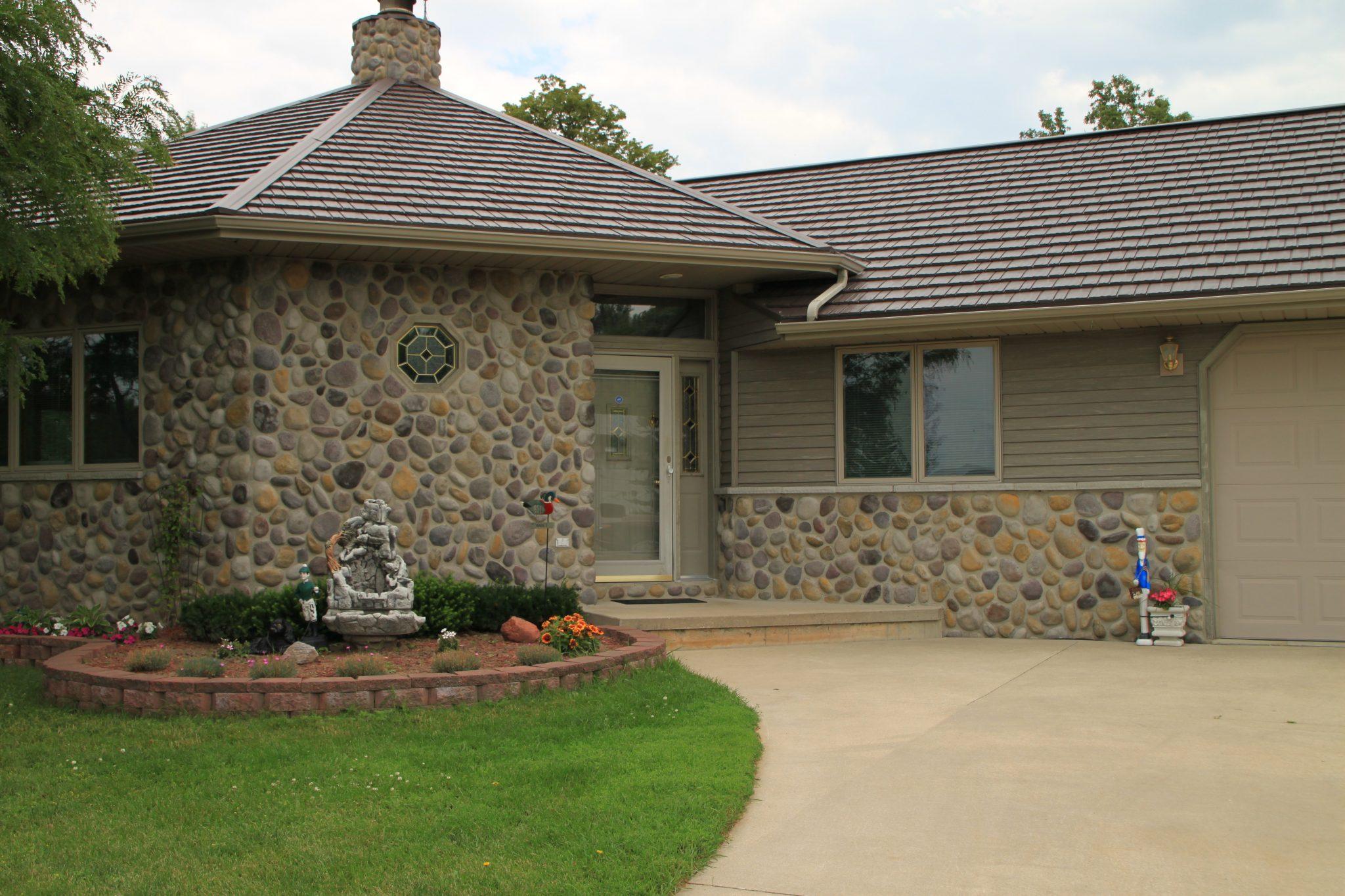 Metal Roofing vs. Shingles|